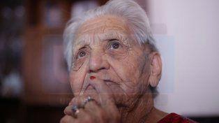 Paula, la abuela de 95 años que cura de palabra a los jugadores de Patronato