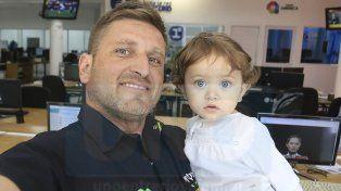 Referente. Juan Jozami es uno de los deportistas más destacados del Enduro entrerriano. Junto a su hija Juana.