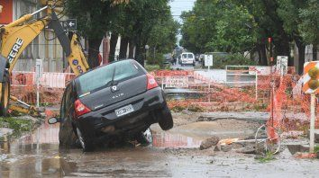 La zona de la avenida Freyre, una de las más afectadas por el temporal de lluvia y viento en la ciudad de Santa Fe (José Almeida)
