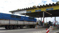 el gobierno aumento los peajes de la ruta nacional 14 y del puente a rosario