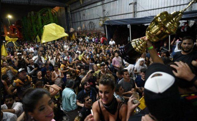 La comparsa Ará Yeví se quedó con el tricampeonato en El Carnaval del País