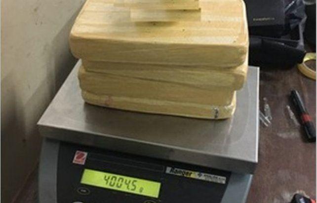 Condenado por buscar la encomienda con 4 kilos de droga para fumar entre amigos