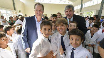 en la apertura del ciclo lectivo el gobernador garantizo un aumento a los docentes