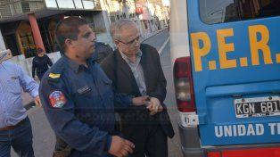 Esposado. Justo José Ilarraz recibió la pena más alta por los abusos.
