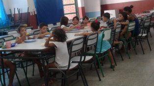 Mayor demanda. En la escuela Esparza preparan a diario el almuerzo para los niños