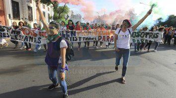masiva movilizacion por el dia internacional de la mujer