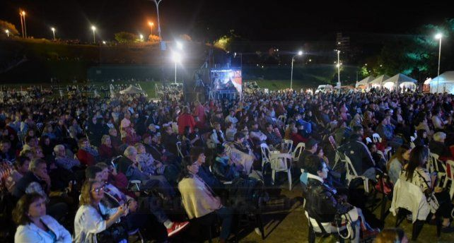 Abrió, a puro folclore, la 30° edición de la Fiesta Nacional del Mate
