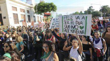 las mujeres pidieron mayor equidad y politicas para frenar los femicidios