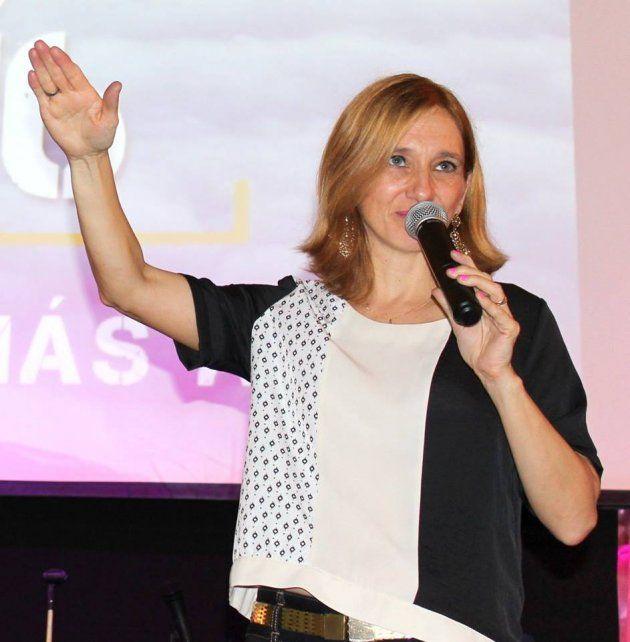 pastora. Lorena Schlotthauer es candidata a viceintendenta en Colón.