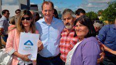 bordet inauguro las primeras viviendas construidas con fondos provinciales