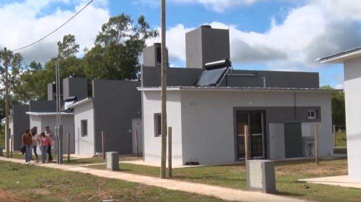 Bordet inauguró las primeras viviendas construidas con fondos provinciales