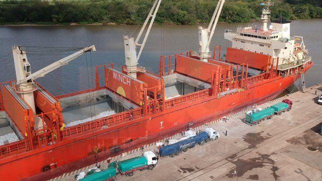 Un embarque dejó más de 3 millones de pesos para los trabajadores portuarios