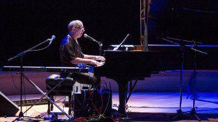 Hugo Fattoruso dará un concierto gratuito el sábado junto a la Sinfónica de Entre Ríos.