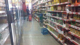 IMPACTO. Comerciantes advierten que los consumidores usan cada vez más la tarjeta de crédito para sus compras diarias.