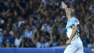 El goleador le dio la victoria a la Academia.