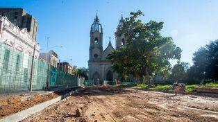 Intervención. La plaza Alvear, sometida a importantes mejoras.