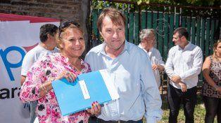 Nueva entrega de escrituras de terrenos a vecinos de barrio El Progreso