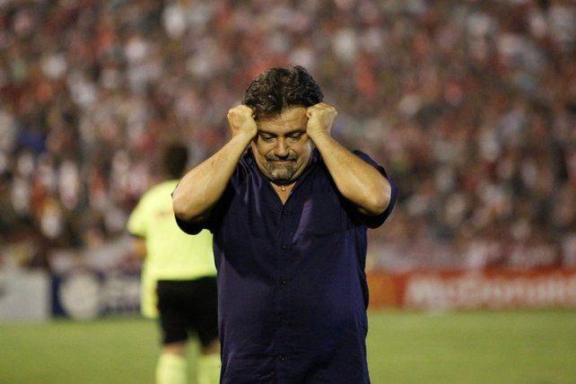 Caruso Lombardi lloró mucho tras el descenso de San Martín de Tucumán