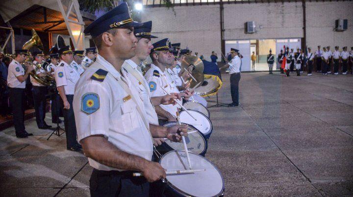 La Policía compuso la marcha a los tripulantes del ARA San Juan