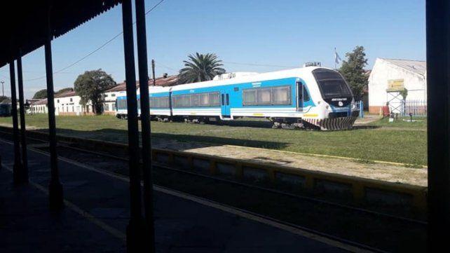 Por un desperfecto mecánico se suspendió el servicio de tren