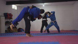 Jiu Jitsu fortalece el alma y enseña técnicas de defensa contra el más grande