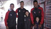 Los niños que se emocionaron en la tribuna conocieron a los jugadores de Patronato