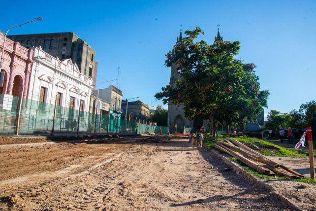 La remodelación de la Peatonal avanza con dos frentes de obra