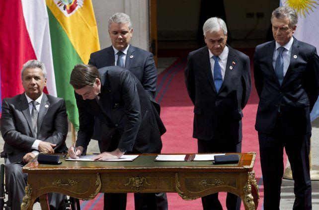 Firma. Los líderes de los países sudamericanos se reunieron en Chile para cerrar el acuerdo.