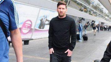 messi abandono la concentracion argentina y regresa a barcelona