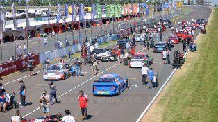 Canapino ganó de punta a punta la primera fecha del Top Race en Paraná