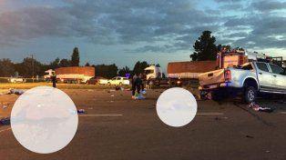 Tragedia en Carmen de Areco: Nueve muertos en un choque entre una camioneta y un camión