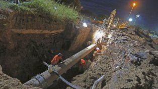 La reparación del caño maestro requirió de una excavación de cinco metros de profundidad.