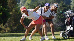 El golf vio acción en los links del CAE