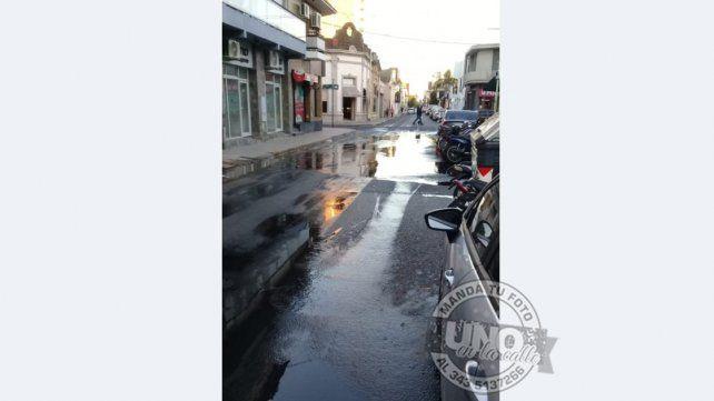 Líquidos cloacales calle abajo