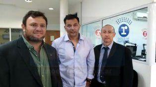 Pablo Tanger y Eduardo Prina, junto a Pablo Lezcano, conductor de Ahí Vamos (Radio 97.1 La Red Paraná).