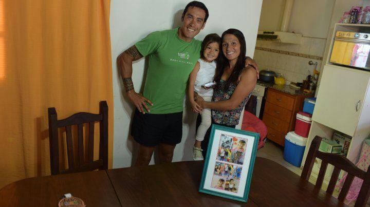 Maxi junto a su hija Bianca y su esposa