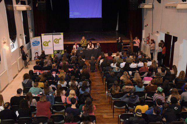 Se desarrolló con gran convocatoria la charla de sensibilización contra la trata de personas