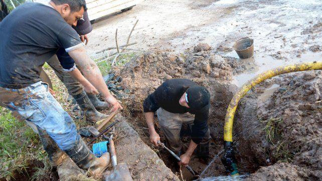 Varios barrios de Paraná están sin agua por la rotura de un conducto