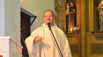pidio un prestamo por facebook para poder solventar los gastos de la parroquia