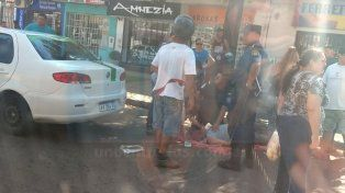 RCP. Personal policial le efectuó masajes cardíacos hasta que llegó la ambulancia.