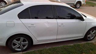 Durante una recorrida de campaña, atacaron el auto de un intendente entrerriano