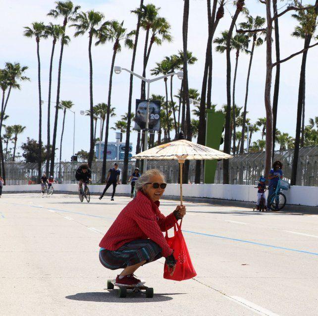 Swee Woo surfeando el cemento.