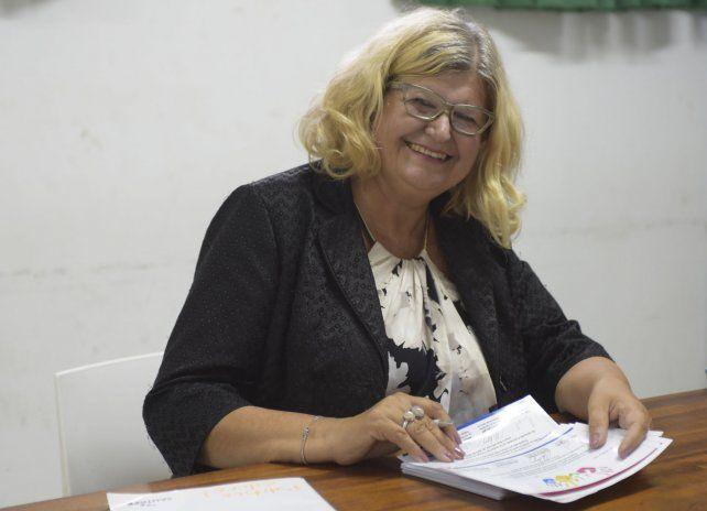 La ministra de educación realizó una reunión privada con referentes de la ciudad.