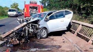 Un hombre falleció tras chocar un auto contra un puente en la ruta 20