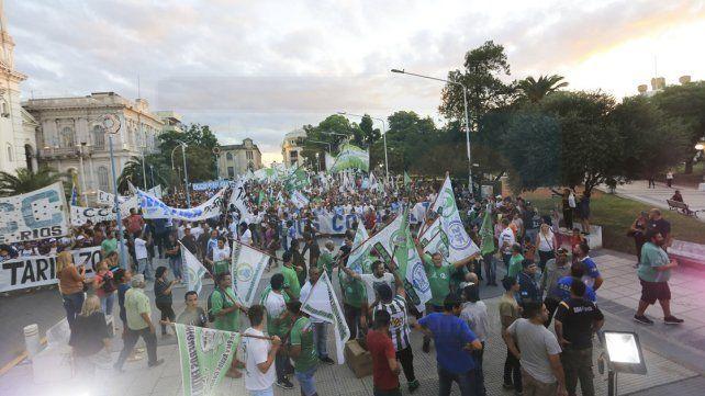 Sindicatos y organizaciones sociales se expresaron contra las políticas de ajuste del macrismo