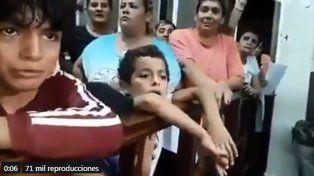 Nos morimos de hambre por su culpa, dijo un nene tucumano a funcionarios