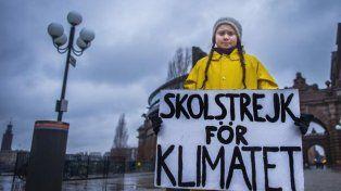 Greta Thunberg manifestando ante el Parlamento de Estocolmo
