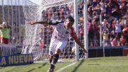 Carabajal festeja el segundo gol de Patronato.
