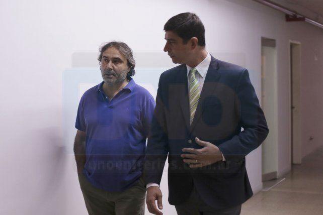Cautela. El defensor Muñoz y el hermano de Ilarraz