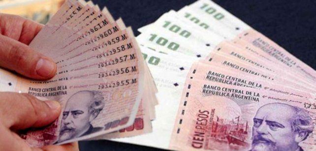 Aguinaldo: ¿pagar deudas, hacer compras o invertir?
